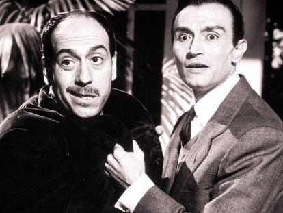 José Luis López Vázquez y Tony Leblanc, prototipos del español representado en el cine. Este fotograma es de la película 'Historias de la televisión' (1965).
