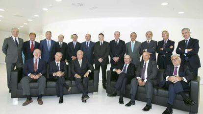 Empresarios catalanes y madrileños participantes en el Foro Puente Aéreo celebrado el miércoles en Barcelona. Con ellos, el ministro de Asuntos Exteriores, García-Margallo, y el portavoz de economía de CiU en el Congreso de los Diputados, Josep Sánchez Llibre.