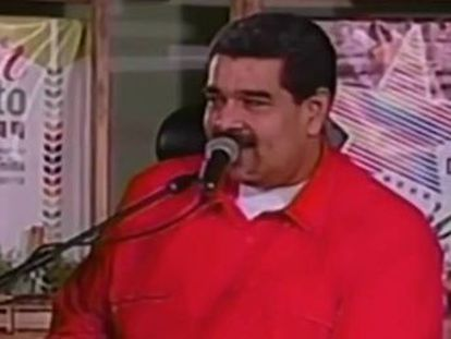 El presidente venezolano bromea   me visitan las mariposas porque me consideran un mariposón