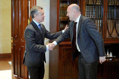 El 'lehendakari' Urkullu recibe en su despacho a Iñigo Lamarca.