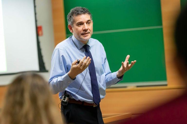 Ramón Salaverría Aliaga, investigador de la Universidad de Navarra.