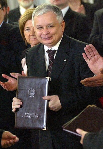 Lech Kaczynski, tras conocer los resultados oficiales, en Varsovia.