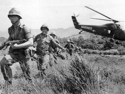 Soldados estadounidenses, durante la guerra de Vietnam.