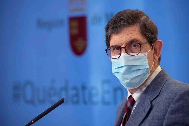 El consejero de Salud de Murcia, Manuel Villegas, durante una rueda de prensa en octubre de 2020.