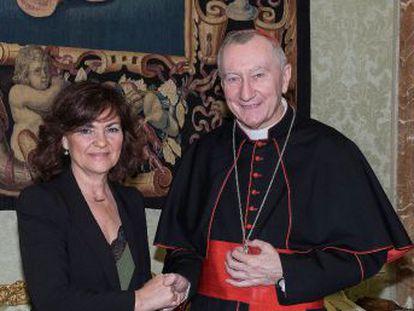 La vicepresidenta da por hecho un acuerdo con la Iglesia pero la Santa Sede lo matiza. El Ejecutivo sigue adelante  usará la ley de memoria histórica para impedir que el dictador sea trasladado a la catedral