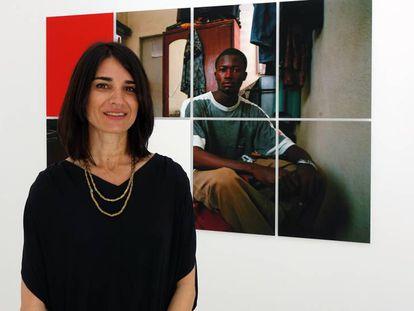 Yapci Ramos, frente a una de las imágenes de