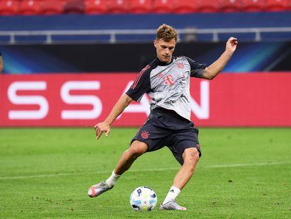 Joshua Kimmich, durante el entrenamiento del Bayern en Budapest.