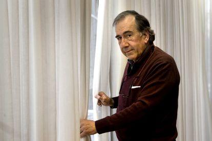 Retrato del poeta Joan Margarit en Barcelona, en 2007.