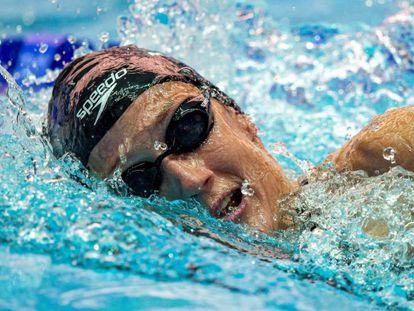 Mireia Belmonte respira durante la preliminar de 1.500 metros.