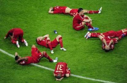 Los jugadores del Bayern, desolados tras la derrota ante el Chelsea