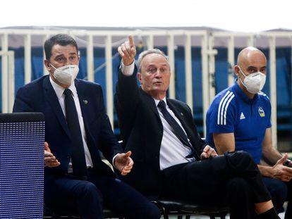 Aíto, en el centro, durante el partido Panathinaikos-Alba, el 17 de diciembre de 2020.