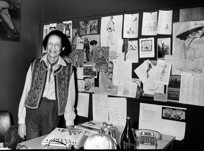Diana Vreeland, en su oficina de Nueva York, alrededor de 1980.