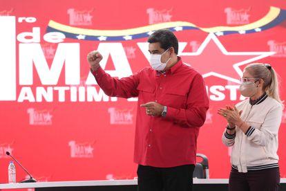 El presidente venezolano Nicolás Maduro participa en la sede del gobierno en Caracas en un mitin para conmemorar el Día del Trabajo el 1 de mayo.