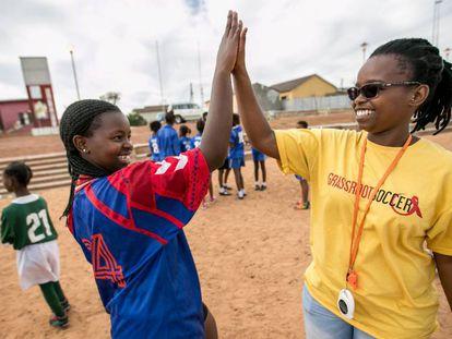 Yamkela Nqweniso, de 14 años, vive en Khayelitsha, Sudáfrica.