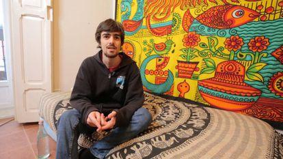Jose, estudiante de 22 años y miembro de Fridays for Future, en su casa.