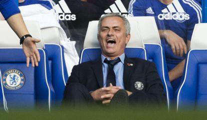 Mourinho, en el partido ante el Liverpool.