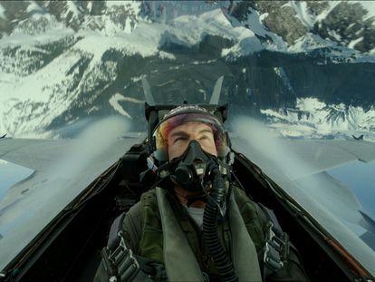 Tom Cruise, como el capitán Pete 'Maverick' Mitchell en una secuencia de 'Top Gun: Maverick'.