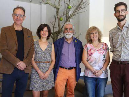 Jordi Folk (izquierda), Anna Riera, Vicenç Villatoro, Maria Carme Roca y Marc Rovira.