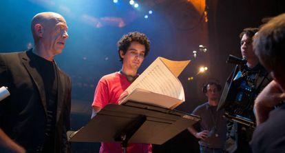 Damien Chazelle da indicaciones durante el rodaje a J. K. Simmons.