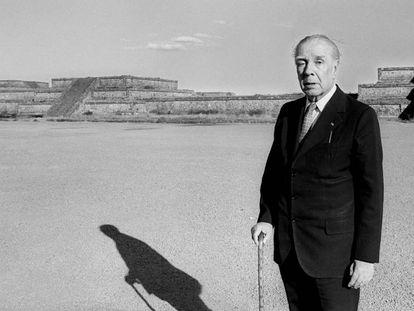 Una fotografía de archivo de Jorge Luis Borges.