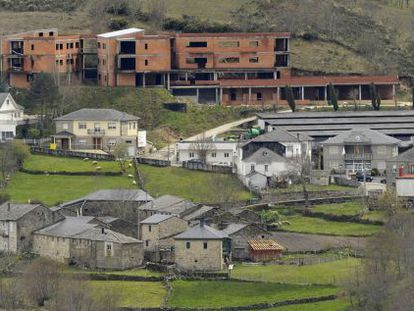 Residencia ilegal en Chandrexa de Queixa.
