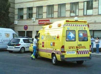 Una ambulancia del Servicio de Urgencias Médicas de la Comunidad de Madrid (Summa), en una imagen de archivo.