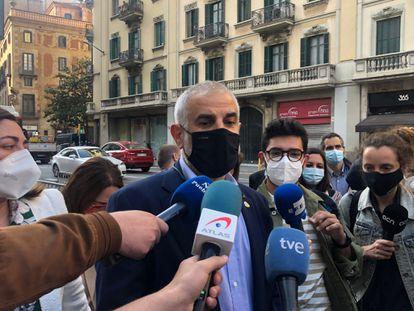 El líder de Cs en Catalunya, Carlos Carrizosa, en una concentración el pasado mayo en Barcelona. / EUROPA PRESS