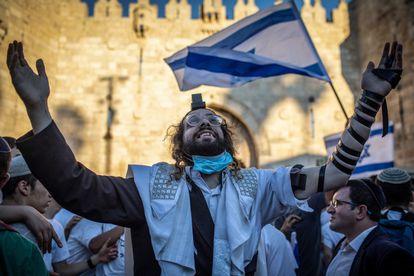 Un ultraortodoxo participante en la marcha nacionalista, el martes en Jerusalén.