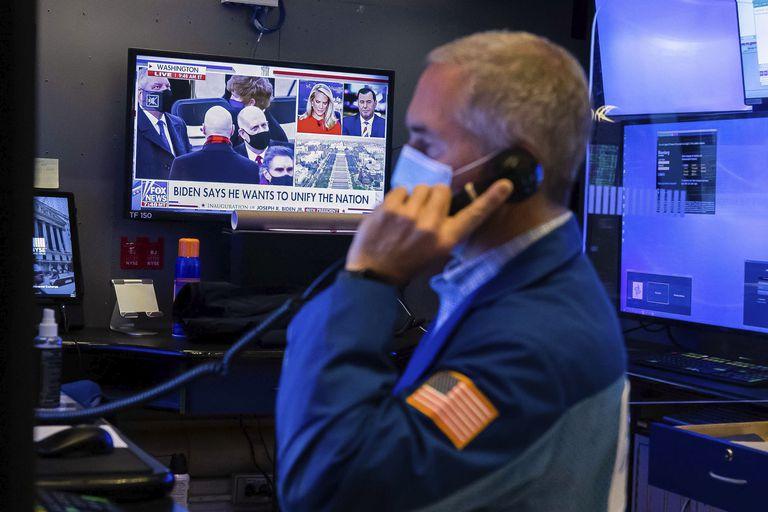 Imagen de la Bolsa de Nueva York el día de la investidura de Joe Biden como presidente de Estados Unidos.