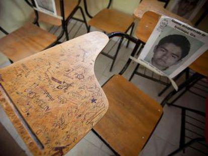 Los supervivientes de la escuela rural de Guerrero homenajean a sus compañeros desaparecidos hace cuatro años en el caso que convulsionó a México