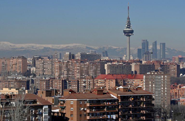 Vista de Madrid desde el cerro del Tío Pío con la contaminación que ya se aprecia en el horizonte.