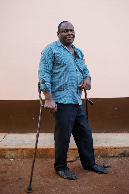 Manuel Joâo was drafted into the Frelimo army during the civil war.  I was 13 years old.  He stepped on a mine while on duty.  His partner went blind and he lost a leg.