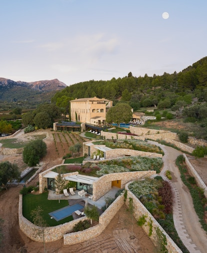 Hotel Son Brull, en Pollença (Mallorca), tras la rehabilitación del estudio de Pinós.