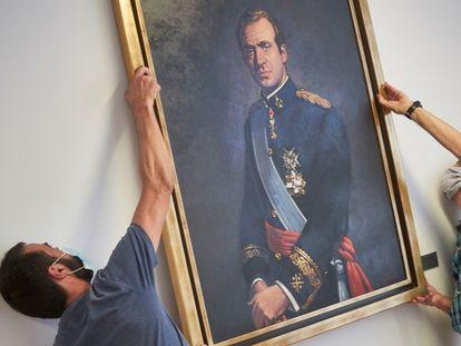 El Parlamento de Navarra retiró el pasado mes de julio el retrato del rey emérito de la Sala de Gobierno.