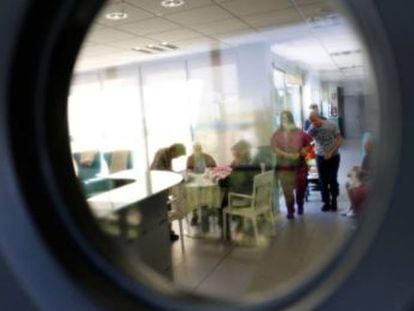 El gasto por paciente se cifra entre 27.000 y 37.000 euros anuales, pero los expertos alertan, además, del coste emocional para las familias