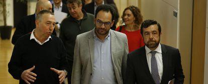 Joan Baldoví (Compromis), Antonio Hernando (PSOE) y Miguel Gutiérrez (Ciudadanos)