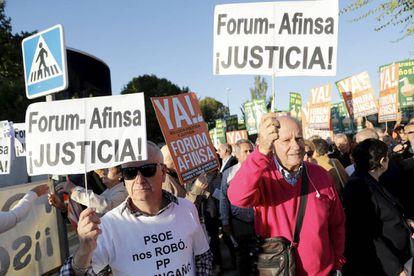 Afectados por el 'caso Forum' a las puertas de la Audiencia Nacional este lunes