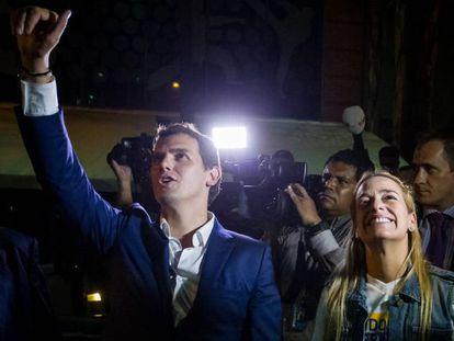 Albert Rivera y Lilian Tintori, en Caracas, este miércoles.