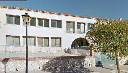 Los padres boicotean el inicio del curso en la escuela Cèsar Martinell.