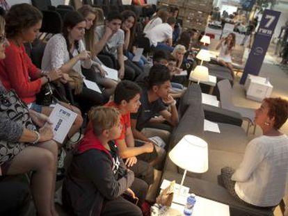 Ocho investigadoras se reúnen con más de 100 alumnos de ESO y Bachillerato, en un encuentro organizado por L Oréal