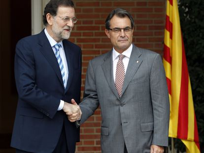Mariano Rajoy, a la izquierda, y Artur Mas en su reunión de septiembre de 2012 en La Moncloa.