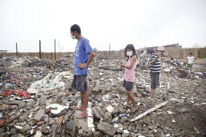 Viviendas derruidas tras el terremoto del 16 de abril en Ecuador.