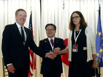 El representante de Comercio estadounidense Robert Lighthizer, su par japonés Hiroshige Seko y la europea Cecilia Malmström en la XI Cumbre de la OMC en Buenos Aires.