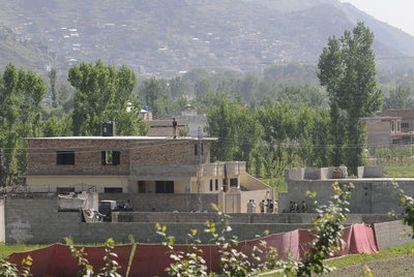 Vista general del complejo (rodeado por un muro protegido con una alambrada de espino) donde las fuerzas estadounidenses han matado al líder de la red terrorista Al Qaeda, Osama Bin Laden, en la localidad de Abbotabad.