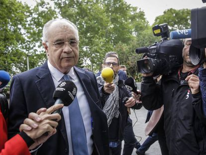 El exconsejero del PP Rafael Blasco a su llegada a los juzgados la semana pasada.