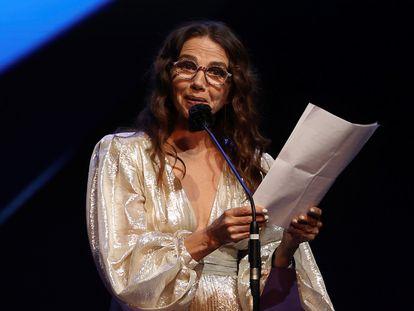 La actriz Victoria Abril tras recibir en marzo el Premio Feroz de Honor 2021.