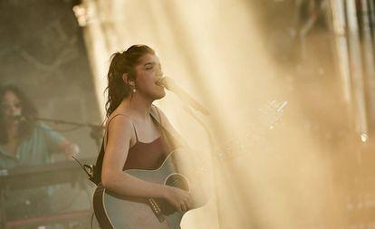 Amaia, durante su actuación en el Mallorca Live Festival.