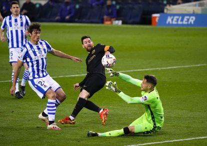 Messi marca el cuarto gol del Barcelona ante la Real Sociedad.
