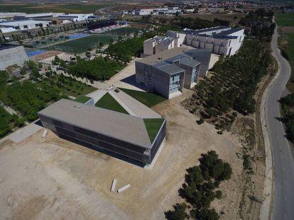 Edificio de servicios generales de la Universidad San Jorge de Zaragoza, obra del estudio Idom.
