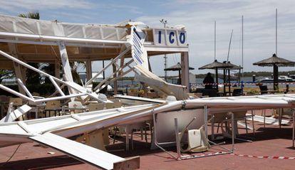 Estado de las instalaciones del Club Náutico Río Piedras, en Cartaya (Huelva), tras el paso de un tornado el pasado miércoles.